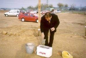 Položení základního kamene</br> v LOGISTICKÉM CENTRU rok 2001
